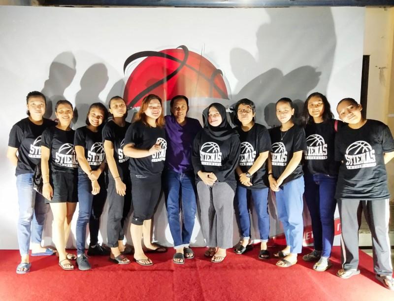 Tim Basket Putri STIE Nasional Tak Terkalahkan di Campus League 2019