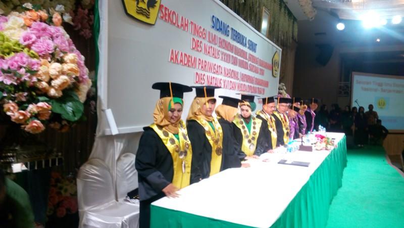Sidang Senat Terbuka (Wisuda) STIENAS Banjarmasin