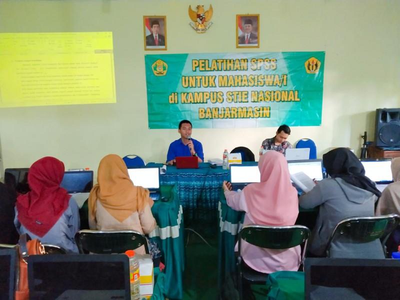 Pelatihan SPSS bagi Mahasiswa/i STIE Nasional 2019
