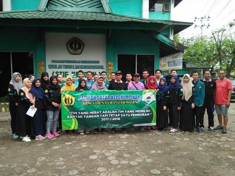 Pelepasan BEM STIENAS Banjarmasin untuk kegiatan LDKM ( Latihan Dasar Kepemimpinan Mahasiswa)  dan Bakti sosial di Kabupaten Tanah Laut.