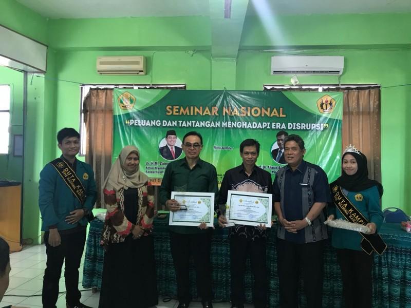 """Seminar Nasional Dengan Tema """" Peluang Dan Tantangan Menghadapi Era Disrupsi"""""""